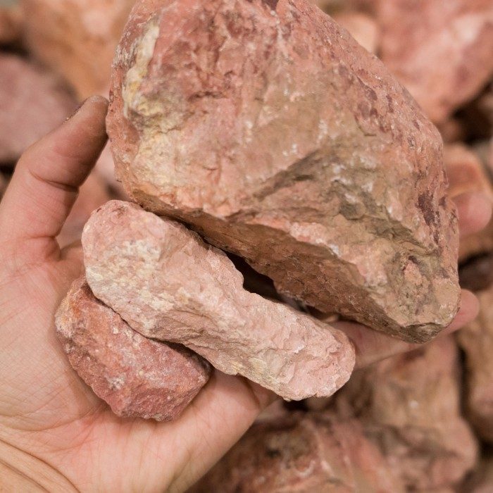 "2-4"" Dusty Rose Cobble"